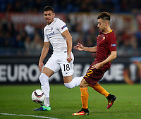 Calcio, Europa League, Gguppo E: Roma vs Austria Vienna. Roma, stadio Olimpico, 20 ottobre 2016.<br /> Roma's Stephan El Shaarawy, right, prepares to kick to score as Austria Wien's Patrizio Stronati tries to challenge him during the Europa League Group E soccer match between Roma and Austria Wien, at Rome's Olympic stadium, 20 October 2016. The game ended 3-3.<br /> UPDATE IMAGES PRESS/Isabella Bonotto