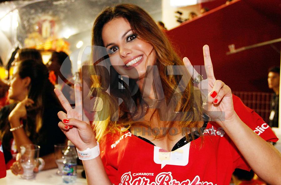 SÃO PAULO, SP, 04 MARÇO DE 2011 - CARNAVAL 2011 / CAMAROTE BRAHMA - A atriz Stéphanie Brito  é vista no camarote Brahma onde acompanhara os desfiles das escolas de samba do Grupo Especial de São Paulo, na noite desta sexta-feira (4), no Sambódromo do Anhembi, na região norte da capital paulista. (FOTO: AMAURI NEHN / NEWS FREE).