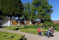 Garten des Barockpalast Grevagården in Karlskrona, Provinz Blekinge, Schweden, Europa, UNESCO-Weltkulturerbe<br /> baroque garden Grevagården in Karlskrona, Province Blekinge, Sweden