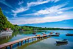 Deutschland, Bayern, Oberbayern, Stegen am Ammersee: Bootsanleger und Badesteg | Germany, Bavaria, Upper Bavaria, Stegen at Ammer Lake: landing pier and footbridge