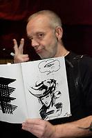 L'artiste peintre multidisciplinaire ZYLON<br /> <br /> Dec 2009<br /> <br />  PHOTO :  Agence Quebec Presse