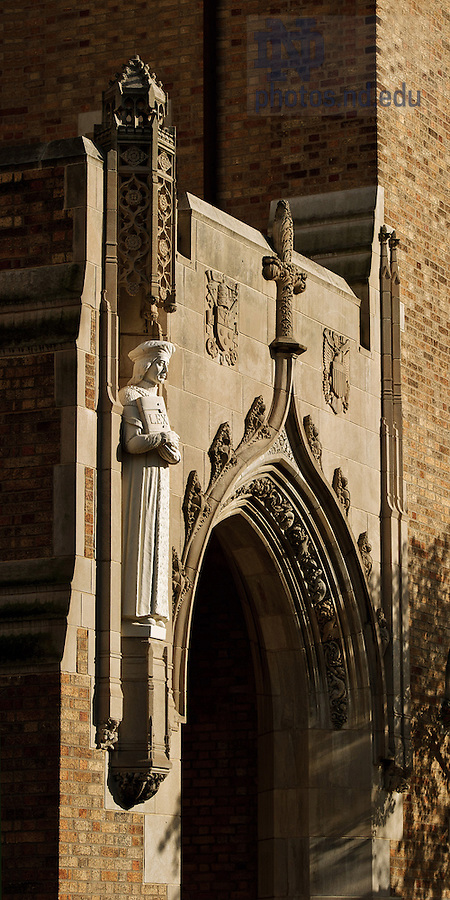 Oct. 16, 2012; St. Thomas More statue, Biolchini Hall of Law..Photo by Matt Cashore/University of Notre Dame