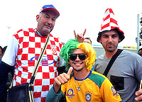 SAO PAULO - BRASIL -10-06-2014. Seguidores selección de fútbol de Croacia viven una fiesta previo al partido inaugural frente a Brasil en el estadio Arena de Sao Paulo de la Copa Mundial de la FIFA Brasil 2014./ Fans of Croatia National Soccer Team live a party, today 11 of June 2014, prior their inaugural match against Braqzil at Arena Corinthians stadium the next Thursday 12 of June in the 2014 FIFA World Cup Brazil. Photo: VizzorImage / Alfredo Gutiérrez / Cont