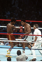 15th September 1978; MUHAMMAD ALI v Leon Spinks, Heavyweight Boxing, New Orleans Superdome, USA