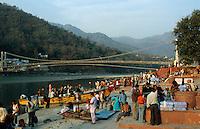 "S?dasien Asien Indien IND Rishikesh am Fluss Ganges . - Hinduismus Hindu Hindus Religion xagndaz | .Asia India Rishikesh at River ganges Ganga - Religion Hinduism .| [ copyright (c) Joerg Boethling / agenda , Veroeffentlichung nur gegen Honorar und Belegexemplar an / publication only with royalties and copy to:  agenda PG   Rothestr. 66   Germany D-22765 Hamburg   ph. ++49 40 391 907 14   e-mail: boethling@agenda-fototext.de   www.agenda-fototext.de   Bank: Hamburger Sparkasse  BLZ 200 505 50  Kto. 1281 120 178   IBAN: DE96 2005 0550 1281 1201 78   BIC: ""HASPDEHH"" ,  WEITERE MOTIVE ZU DIESEM THEMA SIND VORHANDEN!! MORE PICTURES ON THIS SUBJECT AVAILABLE!! INDIA PHOTO ARCHIVE: http://www.visualindia.net ] [#0,26,121#]"