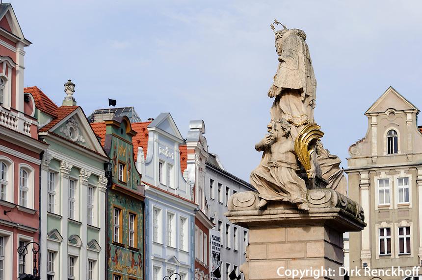 Nepomuk-Statue am alten Marktplatz (Stary Rynek) in Posnan (Posen), Woiwodschaft Großpolen (Województwo wielkopolskie), Polen Europa<br /> St.Nepomuk at Old Market Place (Stary Rynek) in Pozan, Poland, Europe