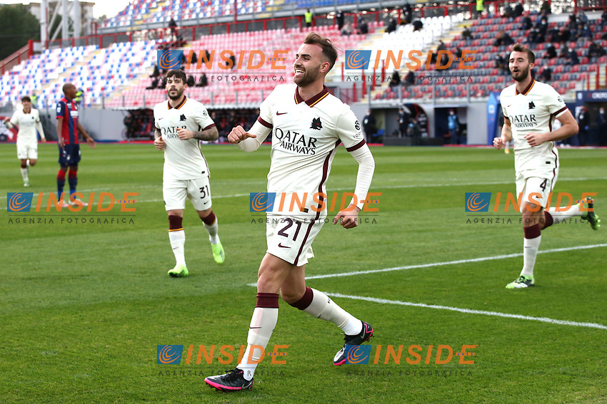 Borja Mayoral of AS Roma celebrates after scoring the goal of 0-1 during the Serie A football match between FC Crotone and AS Roma at stadio Ezio Scida in Crotone (Italy), January 6th, 2020. Photo Gino Mancini / Insidefoto