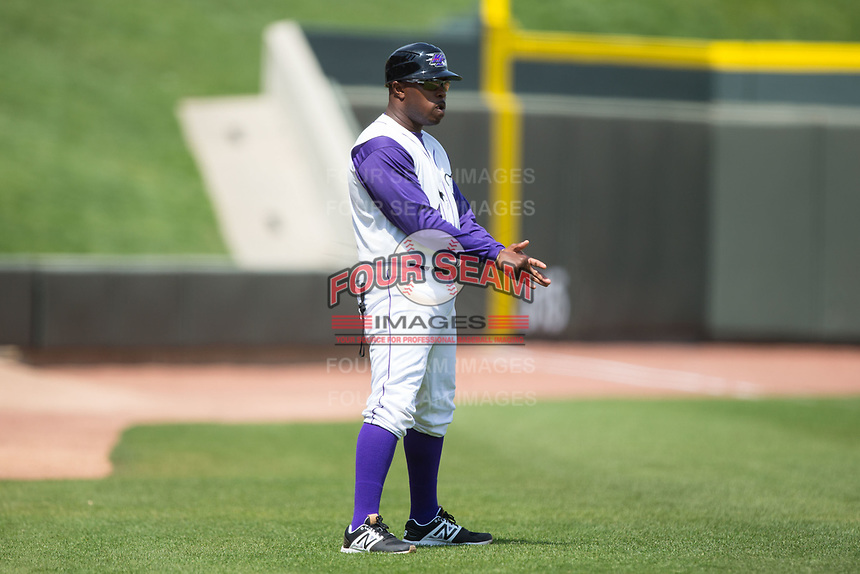 Winston-Salem Dash manager Willie Harris (1) coaches third base during the game against the Buies Creek Astros at BB&T Ballpark on April 16, 2017 in Winston-Salem, North Carolina.  The Dash defeated the Astros 6-2.  (Brian Westerholt/Four Seam Images)