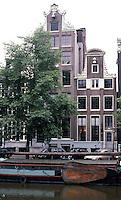 Amsterdam: Keizersgracht. Nos. 64 & 62, both circa 1640-1790. Photo '87.