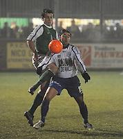 KM Torhout - KSV Temse..duel tussen Maarten Cobbaert (links) en Yve Thys (rechts)..foto VDB / BART VANDENBROUCKE