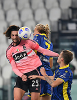 Calcio, Serie A: Juventus - Hellas Verona, Turin, Allianz Stadium, October 25, 2020.<br /> Juventus' Adrien Rabiot (l) in action with Antonin Barak (c) and Ivan Ilic (r) during the Italian Serie A football match between Juventus and Hellas Verona at the Allianz stadium in Turin, October 25,,2020.<br /> UPDATE IMAGES PRESS/Isabella Bonotto