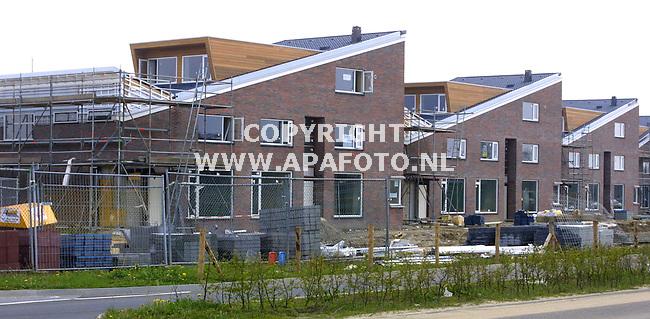 deventer 240401 vinexlokatie de vijfhoek<br />3-laagswoningen in aanbouw in de deelwijk het jeurlink<br />foto frans ypma APA-foto