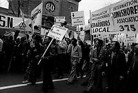 1975 05 01 LAB Fete des travailleurs - les 3 chefs syndicaux