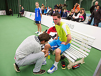 19-01-13, Tennis, Rotterdam, Wildcard for qualification ABNAMROWTT, Jesse Timmermans krijgt blessurebehandeling