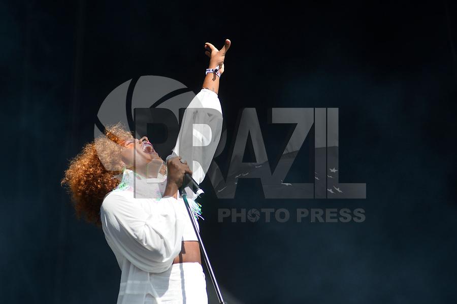 SÃO PAULO,SP, 24.03.2018 - LOLLAPALOOZA 2018 – Liniker e os Caramelows se apresenta no festival Lollapalooza 2018, realizado no Autódromo de Interlagos em São Paulo, na tarde deste sábado, 24. (Foto: Levi Bianco/Brazil Photo Press)