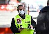 17th May 2020,Stadion An der Alten Försterei, Berlin, Germany; Bundesliga football, FC Union Berlin versus Bayern Munich; Supervisor with protective mask