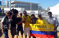 CUIABA - BRASIL -23-06-2014. Seguidores de la selección de fútbol de Colombia (COL) en las afueras del estadio Arena Pantanal de Cuiaba previo al partido del Grupo C ante Japón (JPN) como parte de la Copa Mundial de la FIFA Brasil 2014./ Supporters of Colombia (COL) National Soccer Team outside of the Arena Pantanal stadium in Cuiaba prior of the Group C match against Japan (JPN) as part of the 2014 FIFA World Cup Brazil. Photo: VizzorImage / Alfredo Gutiérrez / Contribuidor