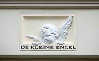 Nederland  Zutphen 2020. Gevelsteen De Kleine Engel.   Foto : ANP/ HH / Berlinda van Dam