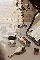 Europe/Autriche/Niederösterreich/Vienne: Palais des Hofburg, résidence de la famille impériale des Habsbourg – Les appartements impériaux (Kaiserappartments) - La coiffeuse de de l'Impératrice Elisabeth