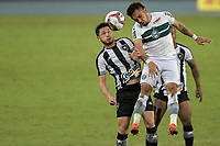 Rio de Janeiro (RJ), 05/06/2021 - BOTAFOGO-CORITIBA - Luís Oyama (e) e Rafinha (d). Partida entre Botafogo e Coritiba, válida pela Série B do Campeonato Brasileiro, realizada no Estádio Nilton Santos, neste sábado (05).