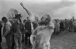 Avebury Wiltshire, Druid 1996. Chanting incantations to the North, South, East and West.<br />