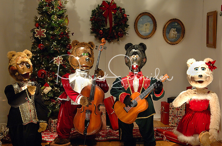 Mechanical bears sing and entertain visitors to the annual Christmas tree lighting event at Birkdale Village in Huntersville, NC. Birkdale Village combines the best of shopping, dining, apartments and entertainment venues within a 52-acre mixed-use development.