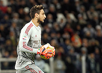 Calcio, Serie A: Juventus vs Milan. Torino, Juventus Stadium, 21 novembre 2015. <br /> AC Milan's goalkeeper Gianluigi Donnarumma holds the ball during the Italian Serie A football match between Juventus and AC Milan at Turin's Juventus stadium, 21 November 2015. Juventus won 1-0.<br /> UPDATE IMAGES PRESS/Isabella Bonotto