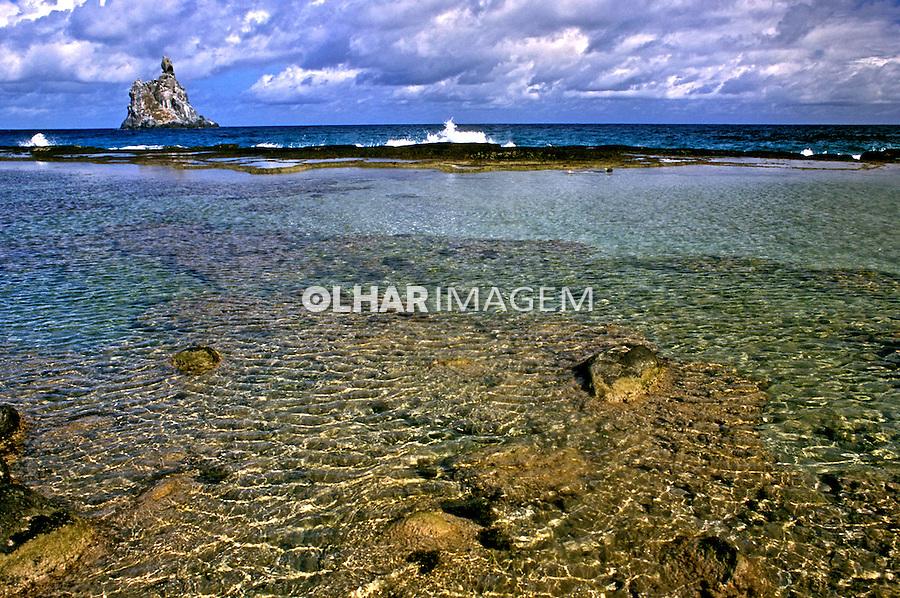 Praia do Atalaia no Arquipélago de Fernando de Noronha. Foto de Renata Mello.