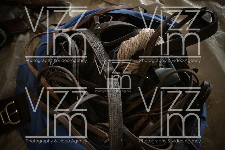 VILLAVICENCIO - COLOMBIA. 13-10-2018: Aperos para los caballos son vistos durante el 22 encuentro Mundial de Coleo en Villavicencio, Colombia realizado entre el 11 y el 15 de octubre de 2018. / Tools for horse horses during the 22 version of the World  Meeting of Coleo that takes place in Villavicencio, Colombia between 11 to 15 of October, 2018. Photo: VizzorImage / Gabriel Aponte / Staff