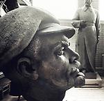 Giant head of Lenin in a musuem, Minsk, Belarus, february 2016.<br /> Tête géante de Lénine dans un musée de Minsk, Biélorussie, février 2016.