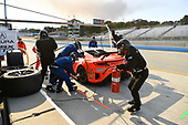 Pirelli World Challenge<br /> Intercontinental GT Challenge California 8 Hours<br /> Mazda Raceway Laguna Seca<br /> Sunday 15 October 2017<br /> Ryan Eversley, Tom Dyer, Dane Cameron, Acura NSX GT3, GT3 Overall pit stop.<br /> World Copyright: Richard Dole<br /> LAT Images<br /> ref: Digital Image RD_PWCLS17_358