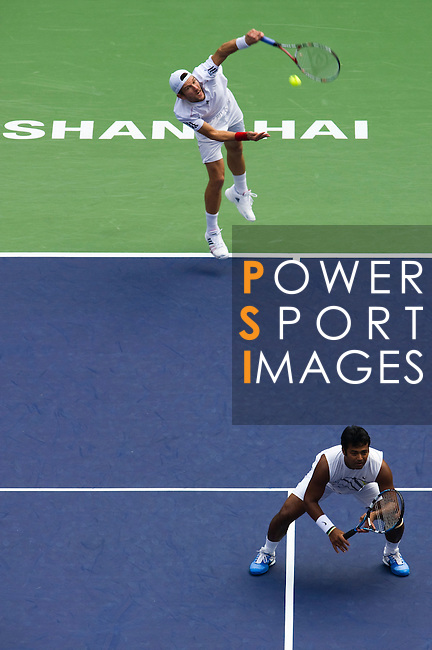 SHANGHAI, CHINA - OCTOBER 17:  Jurgern Melzer (top) of Austria and Leander Paes of India in action on their doubles final against Mariusz Fyrstenberg and Marcin Matkowski of Poland during day seven of the 2010 Shanghai Rolex Masters at the Shanghai Qi Zhong Tennis Center on October 17, 2010 in Shanghai, China.  (Photo by Victor Fraile/The Power of Sport Images) *** Local Caption *** Jurgern Melzer; Leander Paes