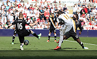 Pictured: (L-R) Damien Duff, Pablo Hernandez, Emmanuel Frimpong.<br /> Sunday 19 May 2013<br /> Re: Barclay's Premier League, Swansea City FC v Fulham at the Liberty Stadium, south Wales.
