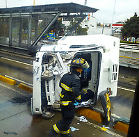 BOGOTA -COLOMBIA ,  Accidentes vehiculares./ Vehicle accidents . Photo: VizzorImage / Felipe Caicedo / Staff