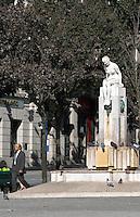 statue on avenida dos aliados porto portugal