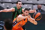 Liga ENDESA 2020/2021. Game: 11.<br /> Club Joventut Badalona vs Valencia Basket: 80-91.<br /> Ferran Bassas vs Sam Van Rossom.