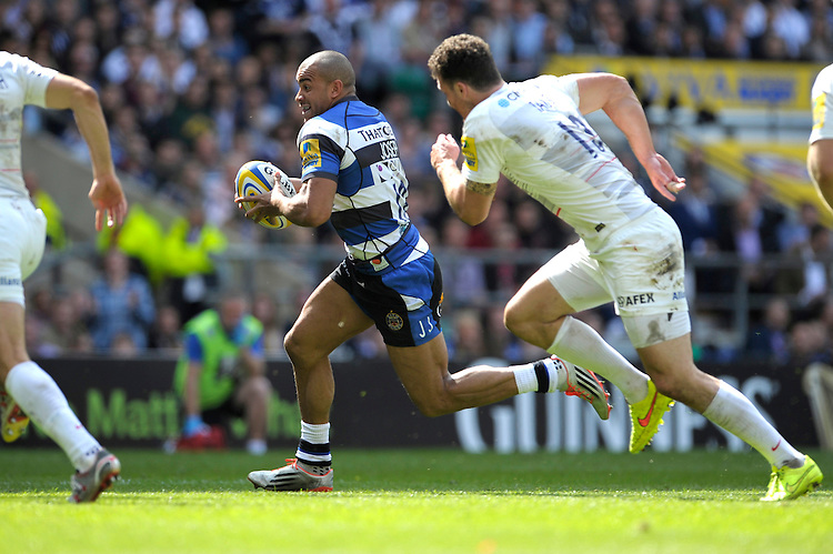 Jonathan Joseph of Bath Rugby sniffs out the tryline as Richard Wigglesworth and Duncan Taylor of Saracens attempt to cut him off during the Aviva Premiership Rugby Final between Bath Rugby and Saracens at Twickenham Stadium on Saturday 30th May 2015 (Photo by Rob Munro)