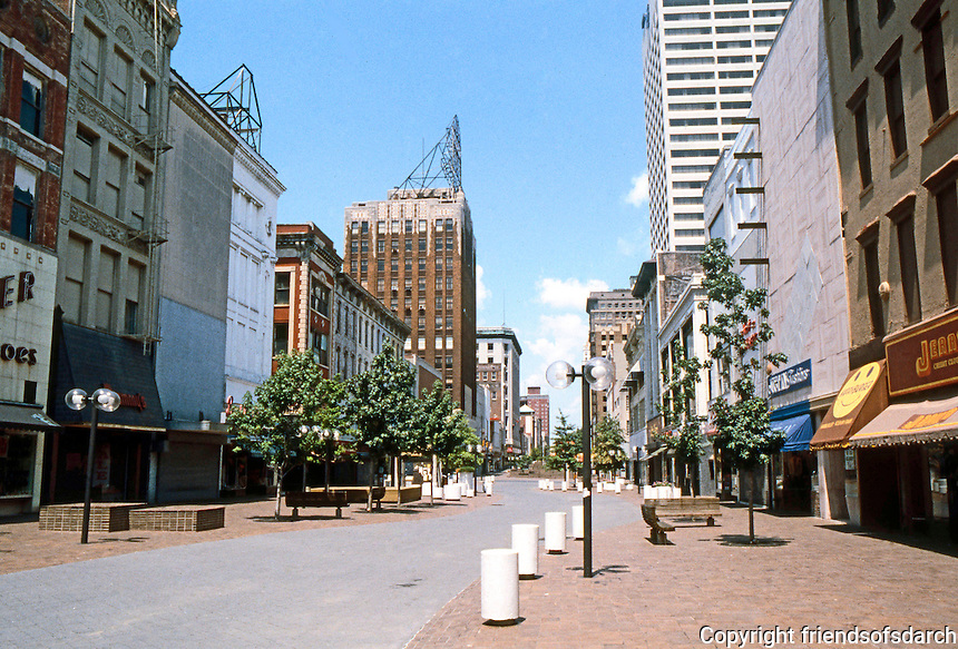 Memphis:  Mid-America Mall. General view..