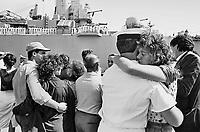 - departure from Taranto of the naval force of Italian Navy for the mission in the Persian Gulf during the Iran - Iraq war....- partenza da Taranto della squadra navale della Marina Militare italiana per la missione nel Golfo Persico durante la guerra Iran - Iraq
