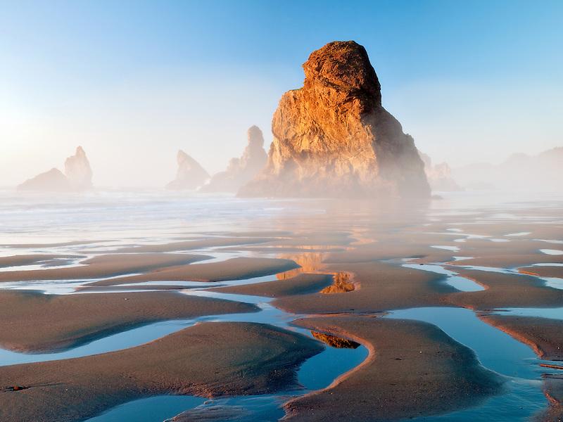 Sea stacks and low tide reflecting pools at Samuel H. Boardman State Scenic Corridor. Oregon