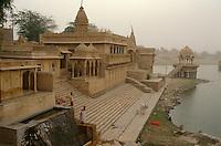 Morgenstimmung am Gadi Sagar (See), Jaisalmer (Rajasthan), Indien