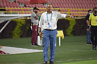 IBAGUÉ- COLOMBIA, 19-02-2021:Hernán Torres director técnico del Deportes Tolima  gesticula durante partido por la fecha 8 entre Deportes Tolima y Patriotas Boyacá como parte de la Liga BetPlay DIMAYOR 2021 jugado en el estadio Manuel Murillo Toro  de la ciudad de Ibagué . /Hernan Torres coach of Deportes Tolima gestures during match for the date 8 between Deportes Tolima  and  Patriotas Boyaca as part of the BetPlay DIMAYOR League I 2021 played at Manuel Murillo Toro  stadium in Ibague city.Photo: VizzorImage / Joan Stiven Orjuela   / Contribuidor