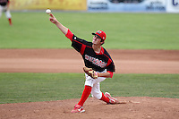 Batavia Muckdogs pitcher Zach Russell (25) during a game vs. the Jamestown Jammers at Dwyer Stadium in Batavia, New York July 18, 2010.   Batavia defeated Jamestown 6-1.  Photo By Mike Janes/Four Seam Images