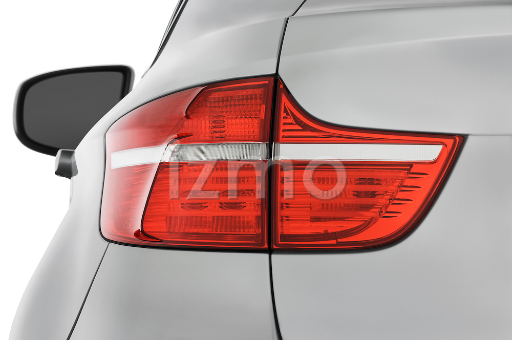 Tail light close up detail view of a 2008 BMW X6 Sports Activity Vehicle