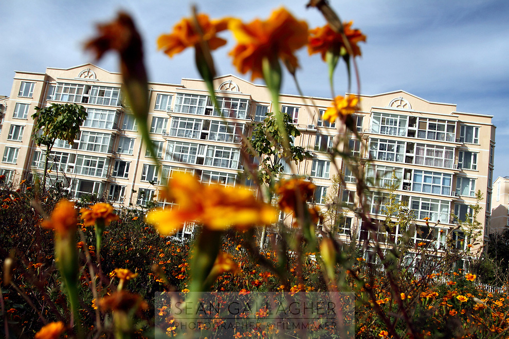 CHINA. Beijing. Apartment for residents inside the Sun City retirement complex for the elderly. 2010