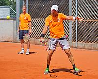 Austria, Kitzbuhel, Juli 15, 2015, Tennis, Davis Cup, Training Dutch team, Jean-Julien Rojer with in the background captain Jan Siemerink<br /> Photo: Tennisimages/Henk Koster