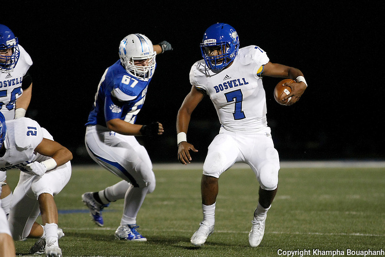 Boswell plays Brewer in district 5-5A high school football in Fort Worth on Friday, October 16, 2015. Boswell won 38-23. (photo by Santi Xaysompheng)