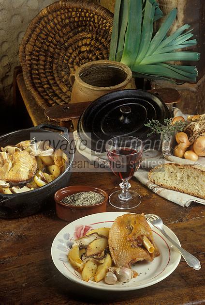 Europe/France/Limousin/19/Corrèze/Pays de Brive/Brive-la-Gaillarde : Fricassée de chavillons (rattes, petrtes pommes de terre allongées) et cuisses d'oie