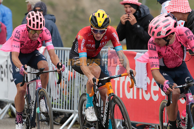 Pello Bilbao (ESP) Bahrain Victorious sandwiched between Sergio Higuita Garcia and Rigoberto Uran (COL) EF Education-Nippo on Col du Portet during Stage 17 of the 2021 Tour de France, running 178.4km from Muret to Saint-Lary-Soulan Col du Portet, France. 14th July 2021.  <br /> Picture: Colin Flockton   Cyclefile<br /> <br /> All photos usage must carry mandatory copyright credit (© Cyclefile   Colin Flockton)