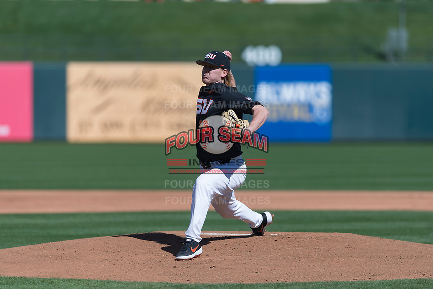 Oregon State Beavers starting pitcher Bryce Fehmel (26) delivers a pitch during a game against the Gonzaga Bulldogs on February 16, 2019 at Surprise Stadium in Surprise, Arizona. (Zachary Lucy/Four Seam Images)